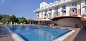 LAR�SSA BLUE RESORT